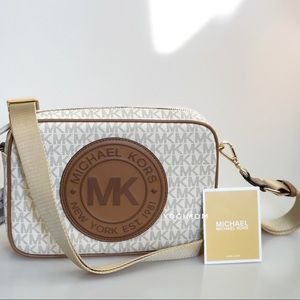 MICHAELKORS PVC VANILLA MESSENGER SHOULDER HANDBAG